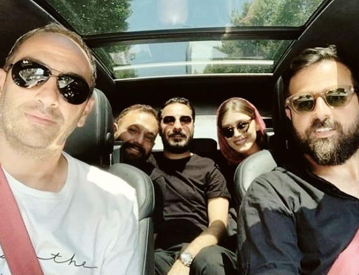 نوید محمدزاده و فرشته حسینی در خودروی فوق لاکچری + عکس