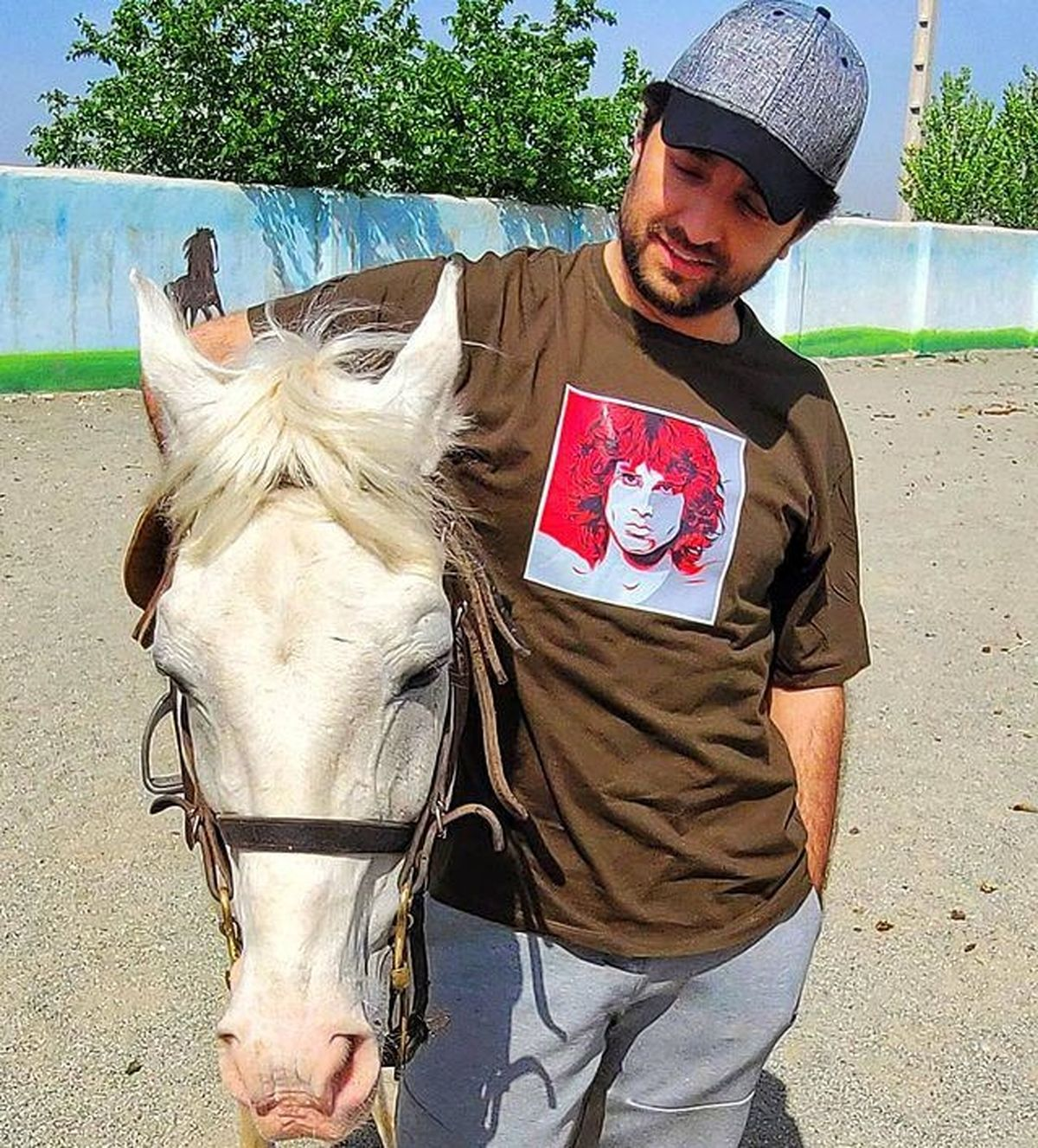 تفریح لاکچری بهرام رادان در روزهای بهاری + عکس