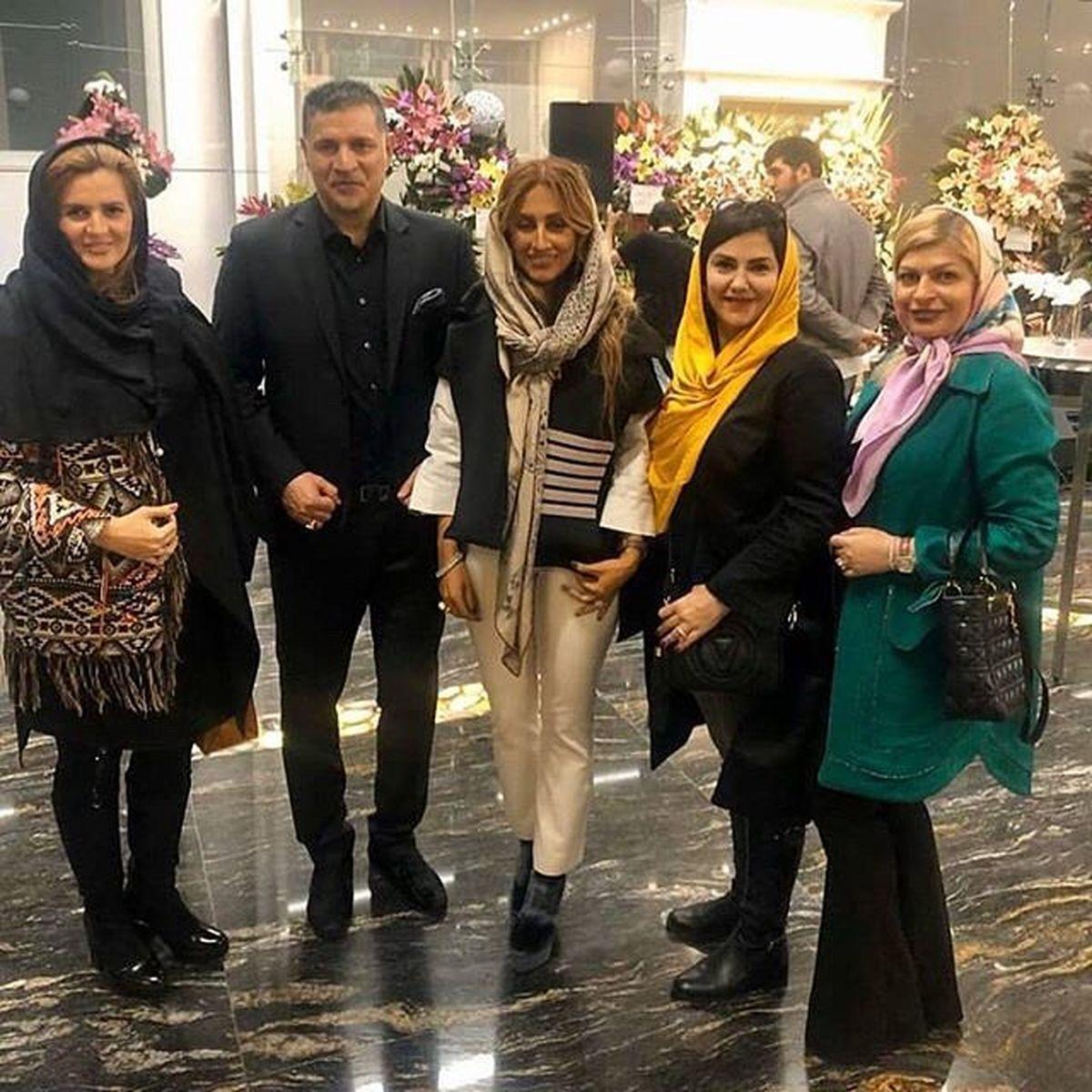 همسر علی دایی با بولیز و شلوار کوتاه و گرانقیمت در هتل + عکس