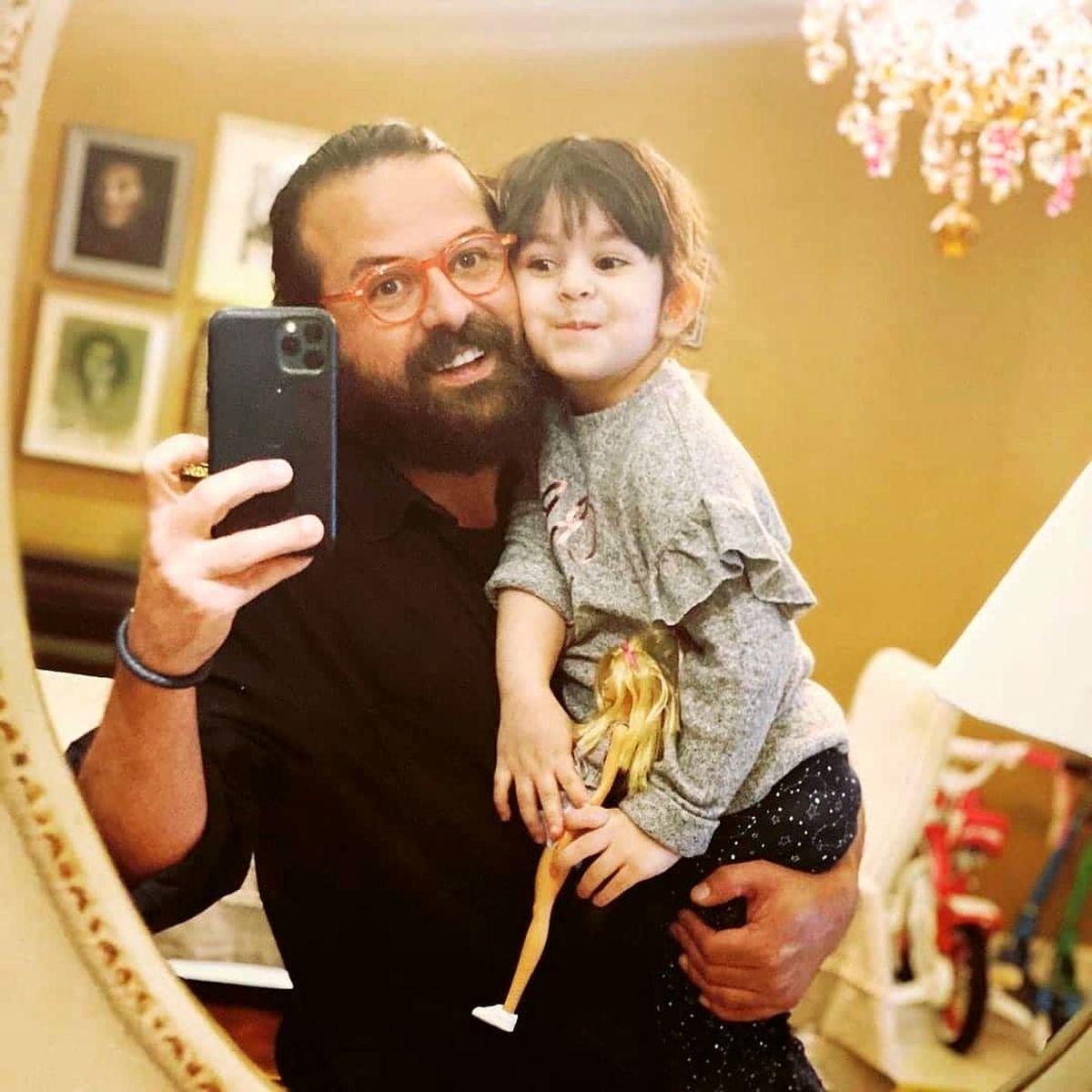 هومن سیدی و همسرش در خانه +عکس