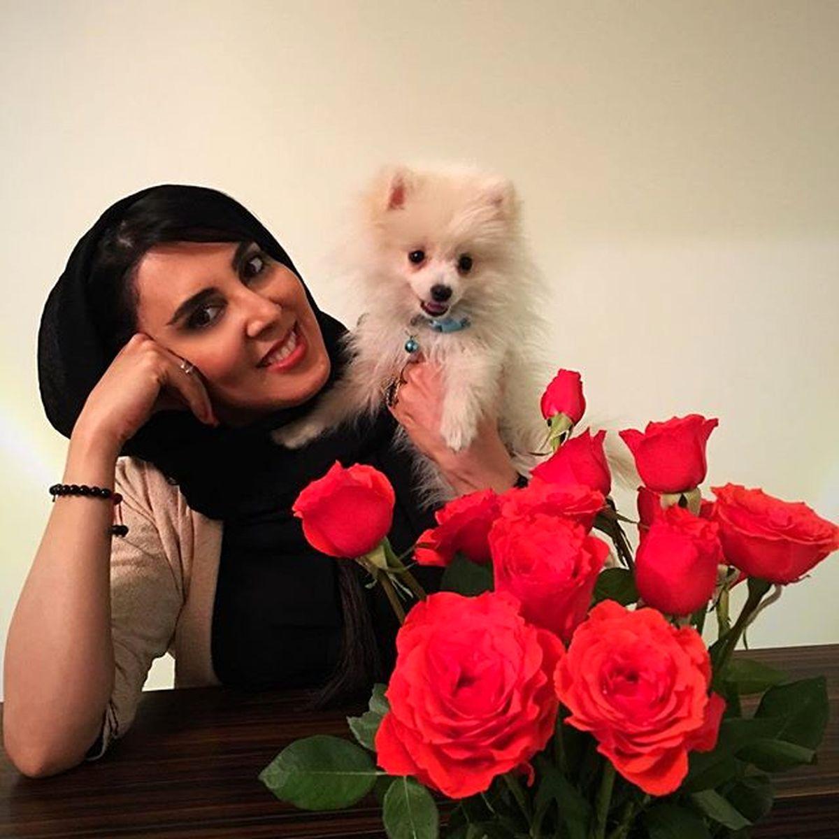 عشوه های لیلا بلوکات با سگ بامزه اش +عکس