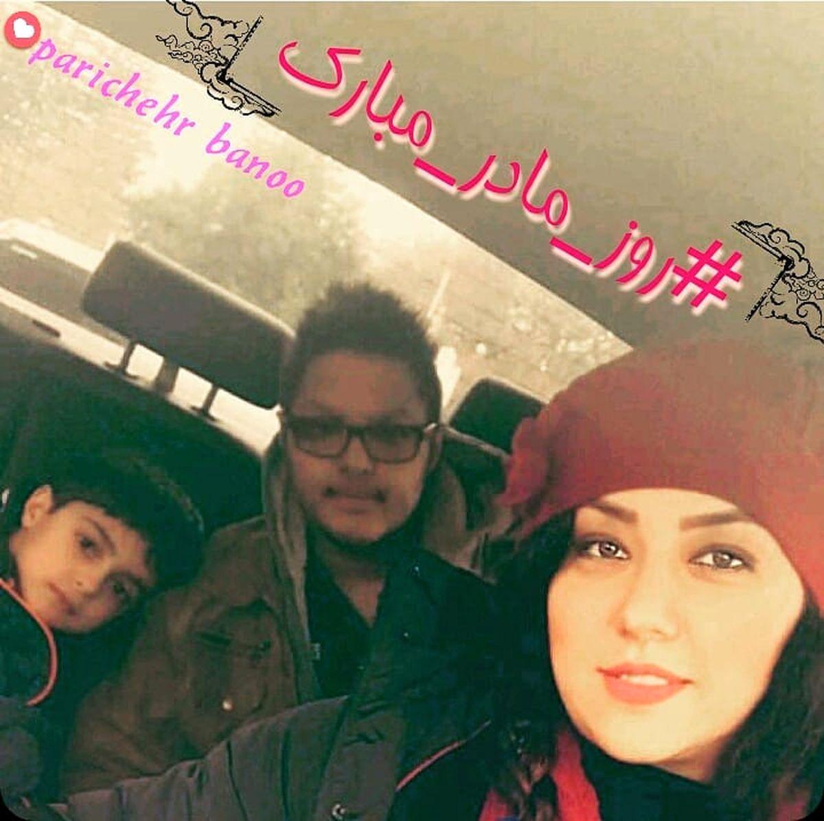 همسر شهاب حسینی با چند پسر خوشتیپ در ماشین!+عکس