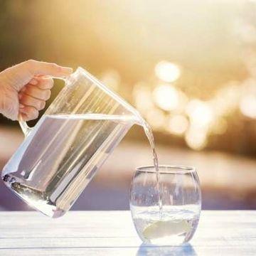 خواص باورنکردنی نوشیدن یک لیوان آب گرم