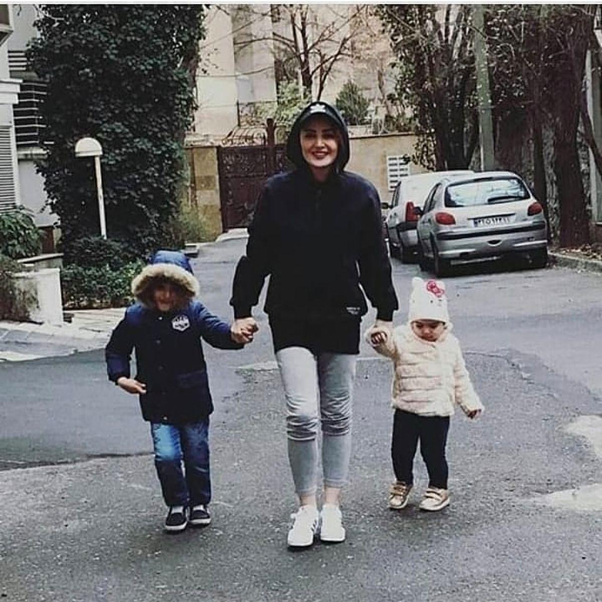 بازی بچه های شیلا خداداد در خانه لاکچری اش + فیلم