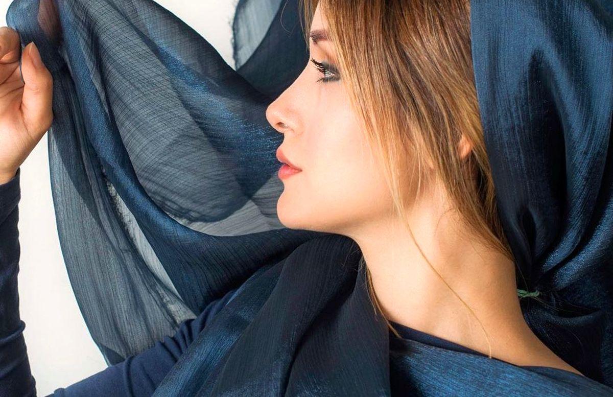 دامن کوتاه همسر شاهرخ استخری+ عکس