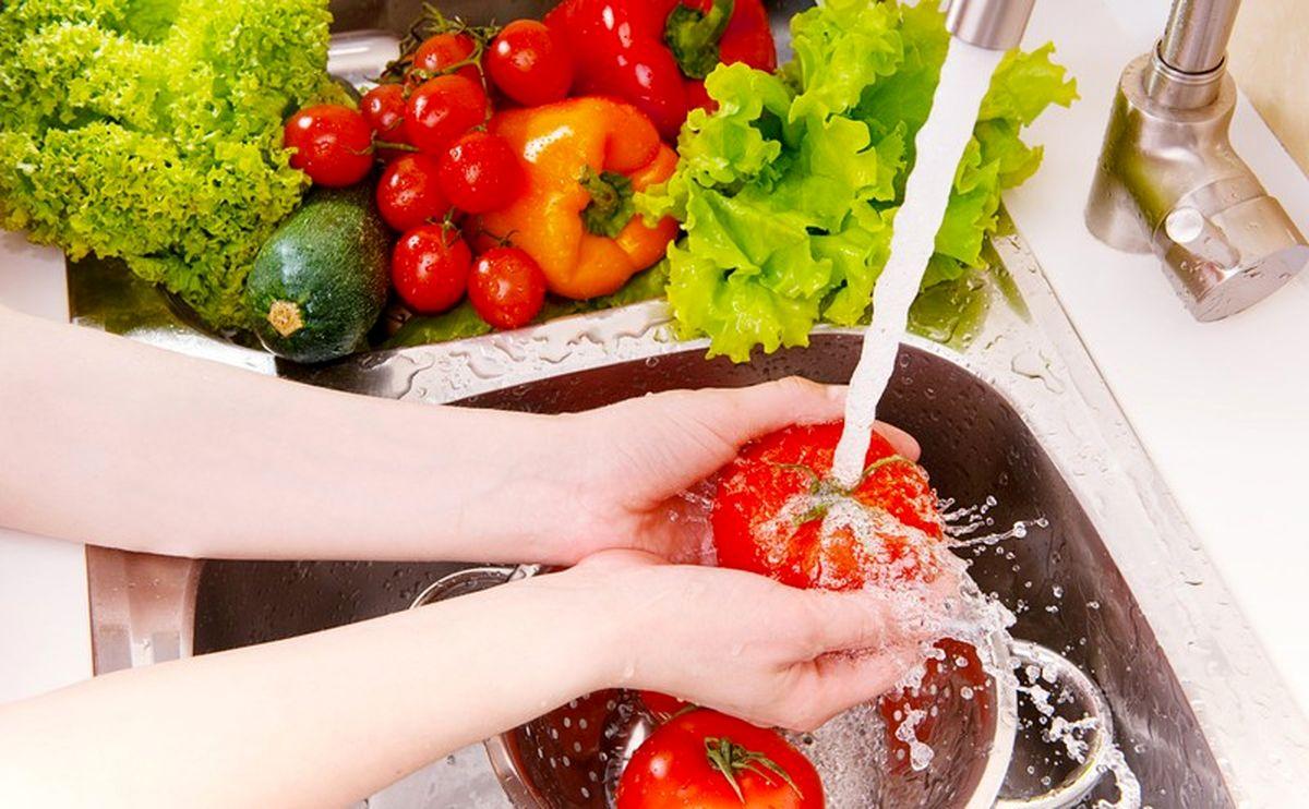 چرا باید سبزیجات برگ دار بخوریم؟
