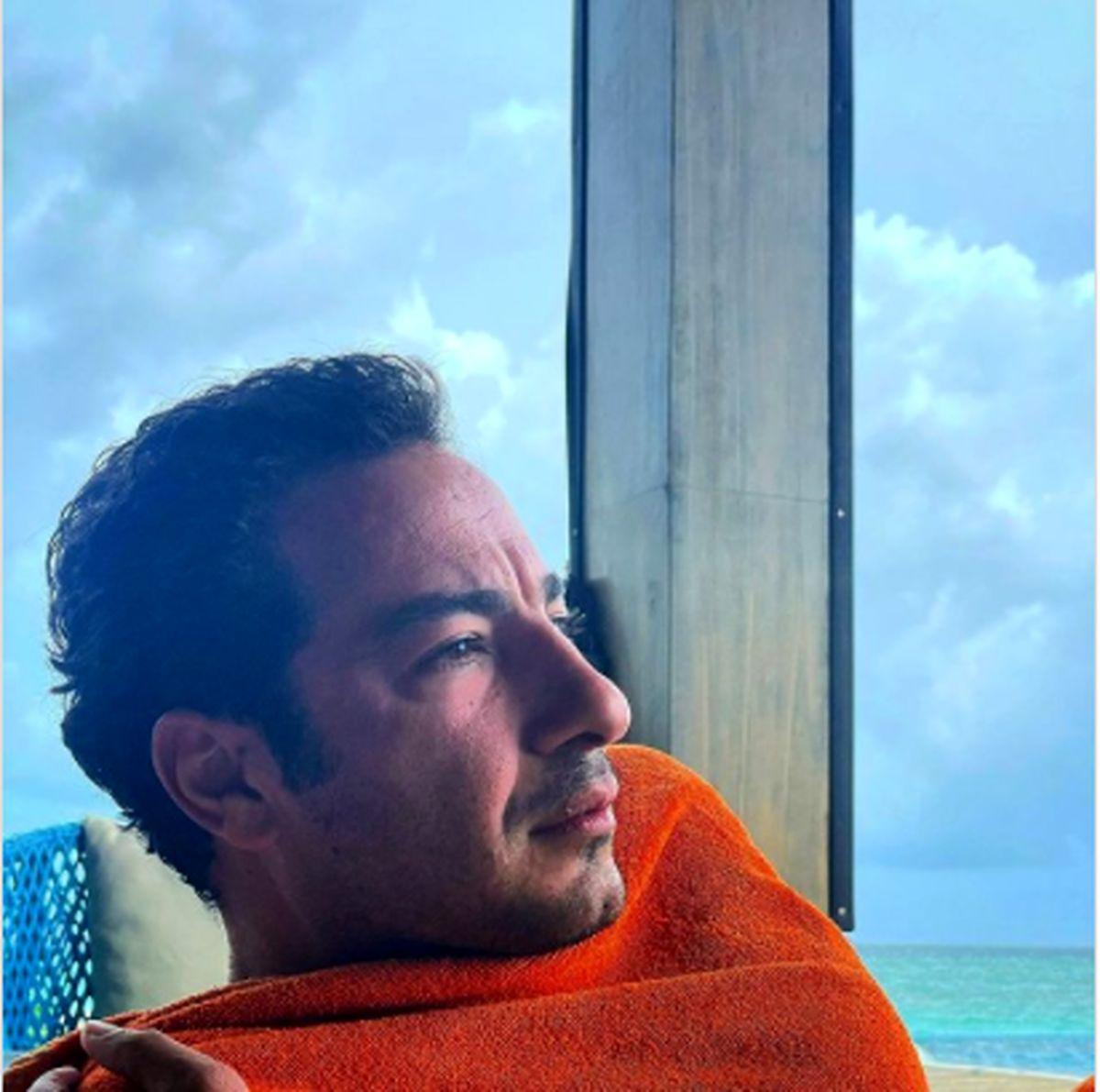 نوید محمدزاده در ویلای رویایی کنار دریا /عکس